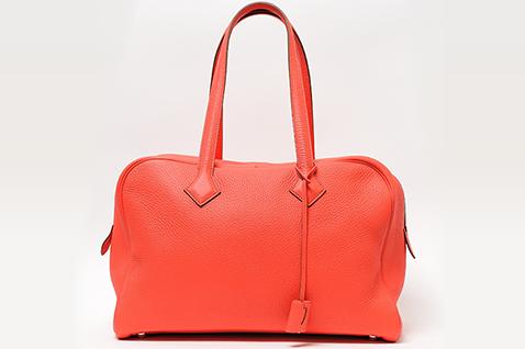 エルメスのヴィクトリアは優雅で機能美に溢れるバッグ