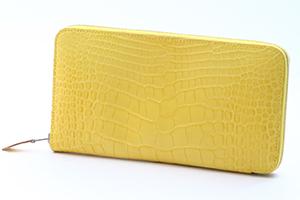 シンプルだからこそ魅せられるエルメス財布のアザップ