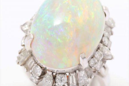 ホワイトオパールダイヤモンドリング Pt900